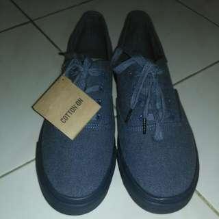 Sepatu  EMBLEM BY COTTON ON