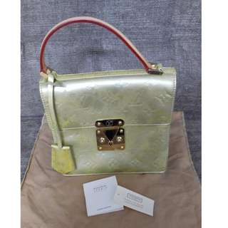 Louis Vuitton 漆皮金色小袋
