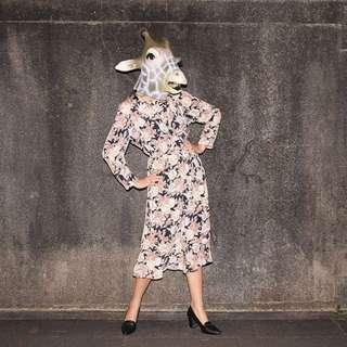 {:::Giraffe 長頸鹿人:::}_垂領綁帶褐玫瑰不規則裙襬長袖古著洋裝