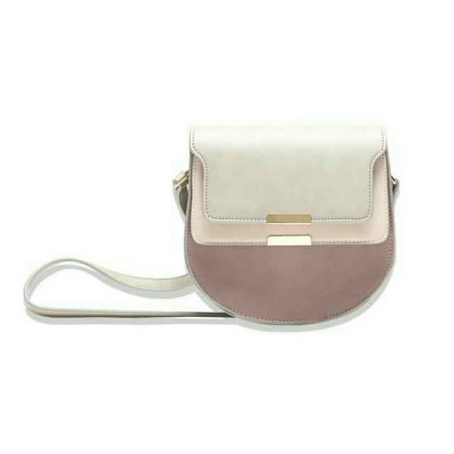 粉嫩係質感側背小包
