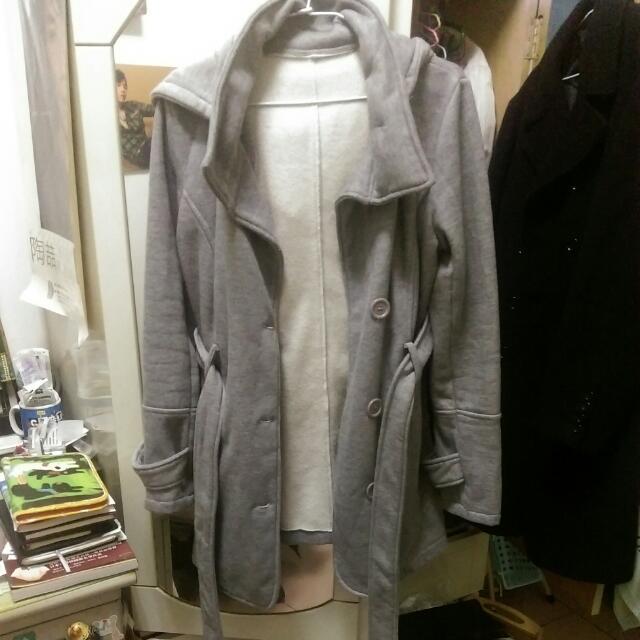 灰色長版內舖棉連帽綁帶外套