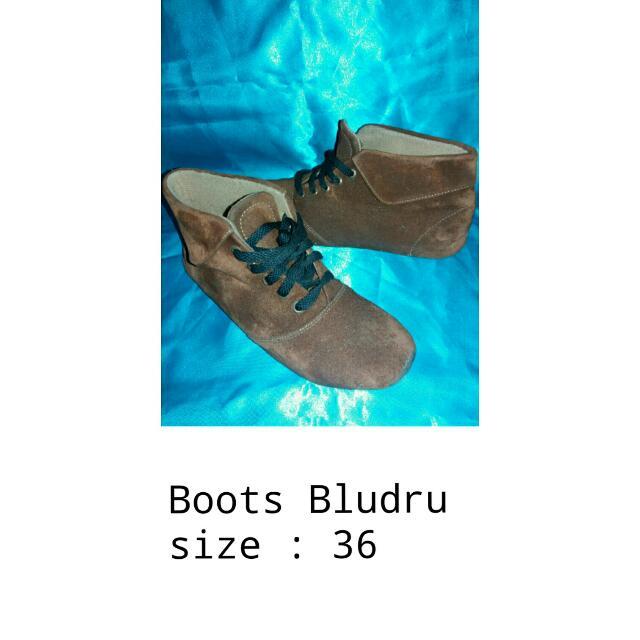 Boots Bludru