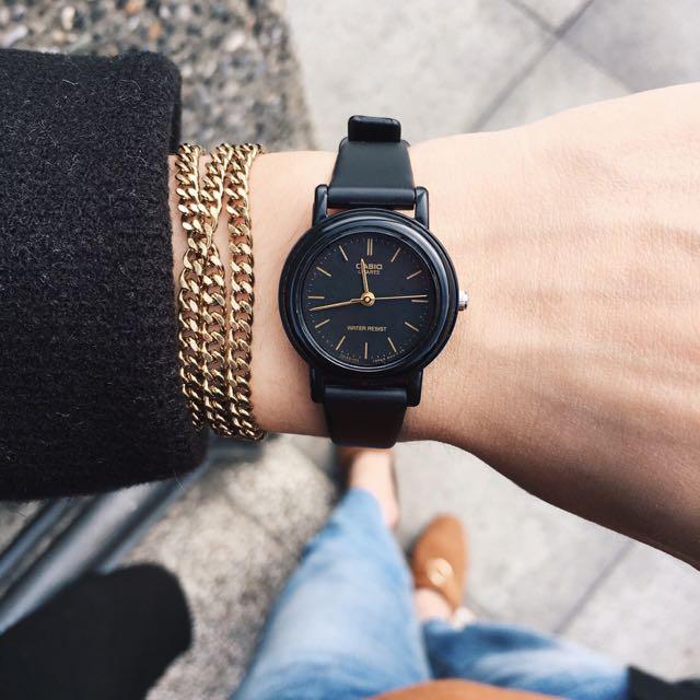 (已售出)CASIO經典黑膠小圓錶(SIVIR)