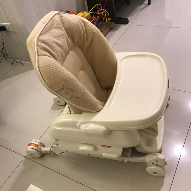 Combi 餐搖椅