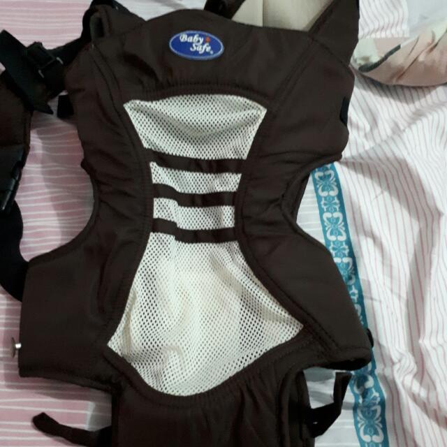 Gendongan Bayi Baby Safe