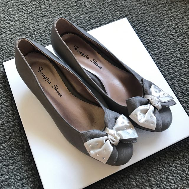 Grey Flats With Bow