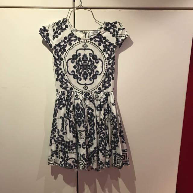 Navy/white Patterned Dress Size8