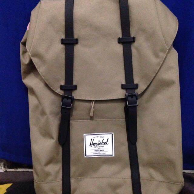 New HERSCHEL Retreat 100% Original