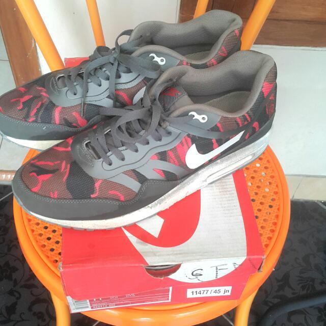 Reprice Nett Auth: Nike Air Max 1 PRM Camo TAPE (Auth)