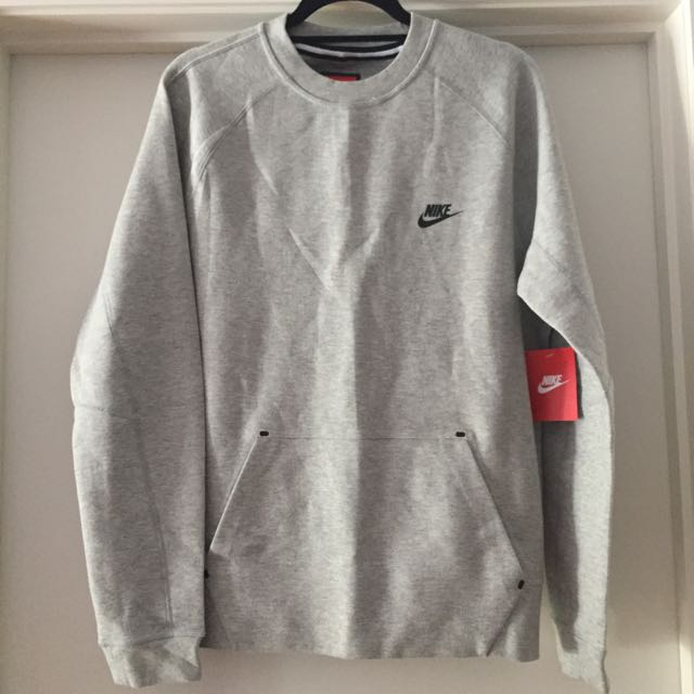 Nike Tech Men's Grey Top Size m- New With Tag