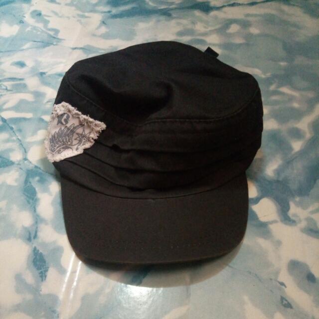 Penshoppe Black Cap