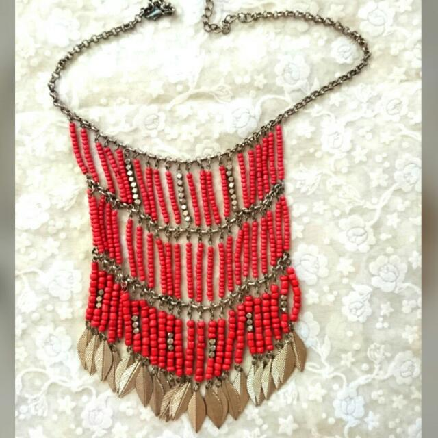 Red Sophisticated necklace for women