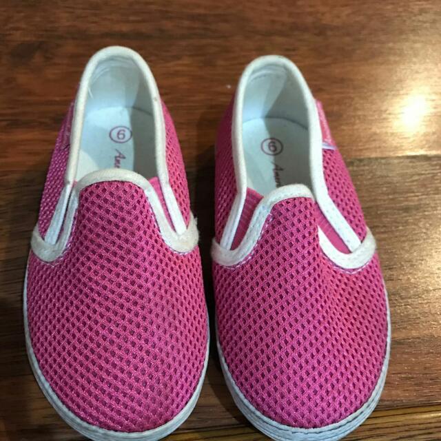 Sepatu Slip On Anak Cewek
