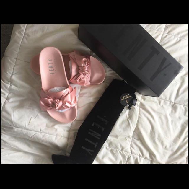 Size 8.5 Rihanna Fenty Slides