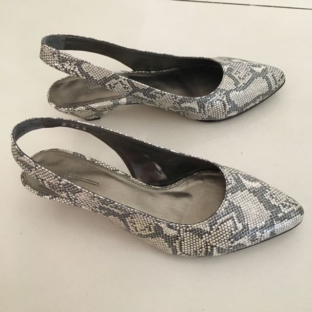 T Ladies Shoes Pamela light Gray Size 7.5 with Box