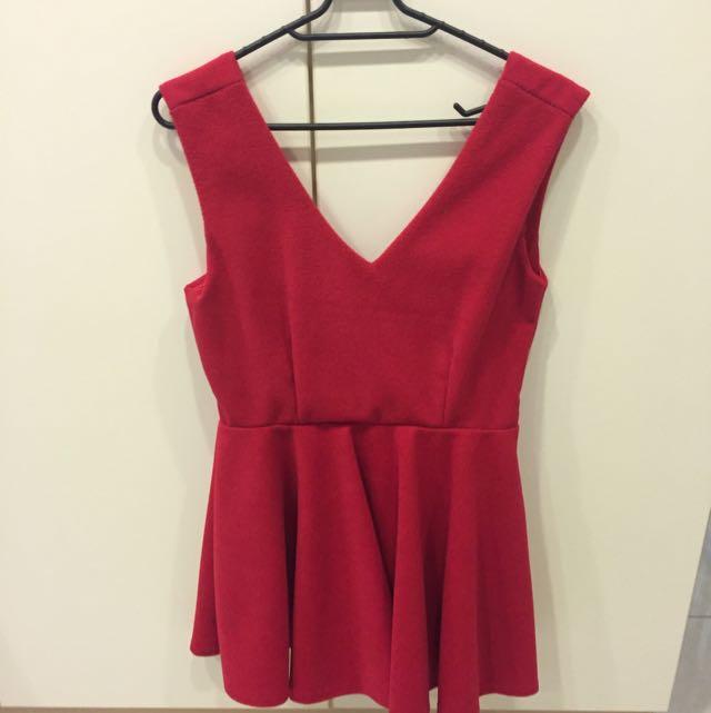 紅色前後V領毛呢洋裝