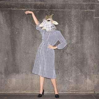 {:::Giraffe 長頸鹿人:::}_小文青細胞格紋長袖古著洋裝