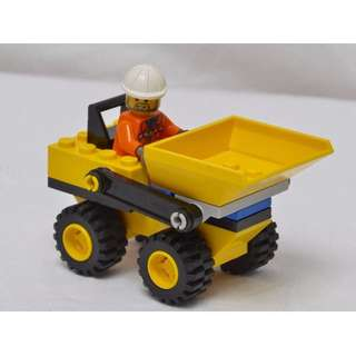 Lego Mini Dump Truck with Minifigure #6470