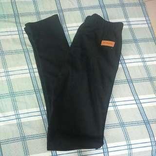 出清☝☝☝全新-黑色螺紋內搭褲