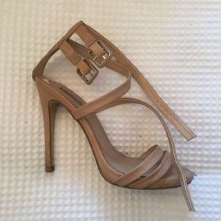 Wildpair Cream Heels Size 7