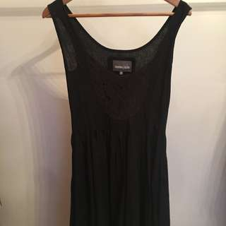General Issue Black Lace Front Dress Size 8