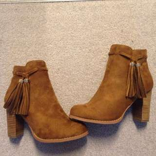 Brown Ankle Boots $25
