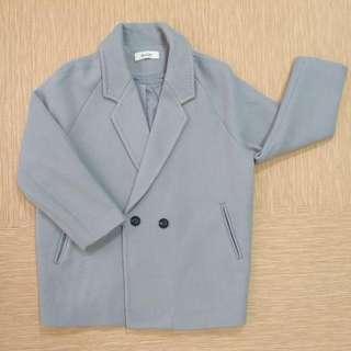 灰色冬天大衣