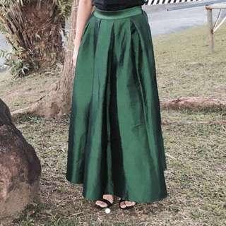 Valued @1,890 Metallic Green Long / Ball Skirt Sky Castle