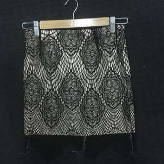 Size 8 Lace Skirt