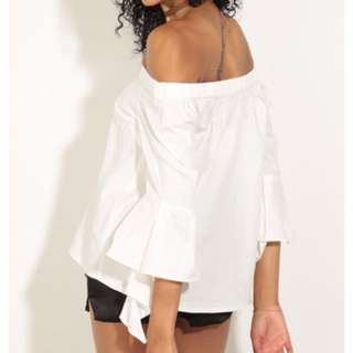 Off Shoulder w/ bell sleeves white