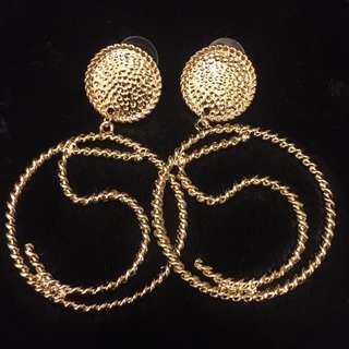 長款金色大耳環
