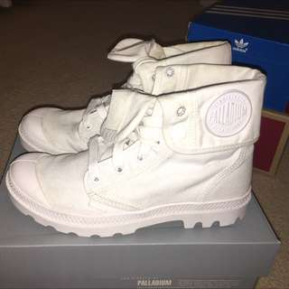 White Palladium Baggy Sneakers