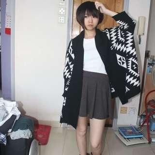 黑白型格外套