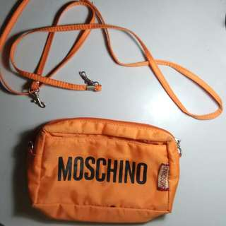 Clucth MOSCHINO