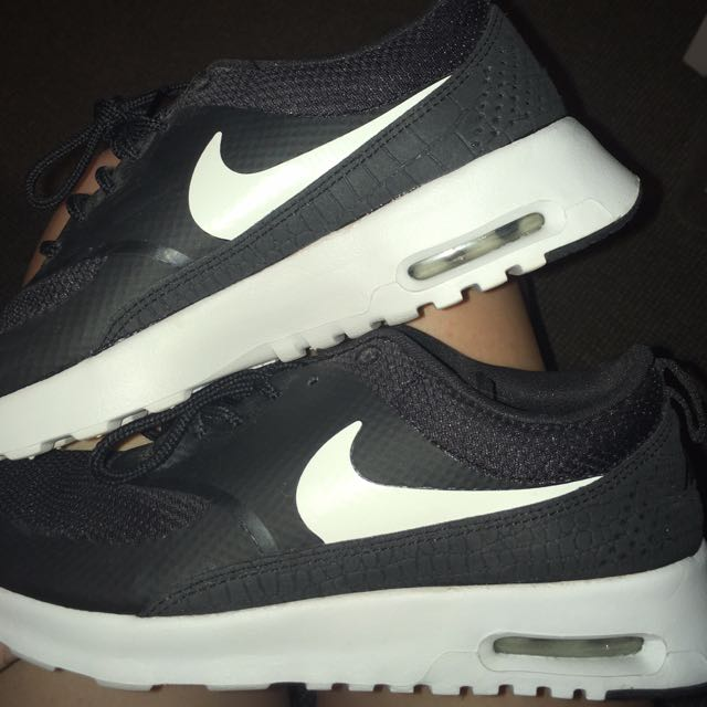 Air max thea black