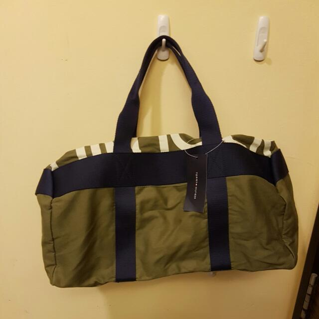 Brand New Authentic Tommy Hilfiger Gym Bag Duffle Bag