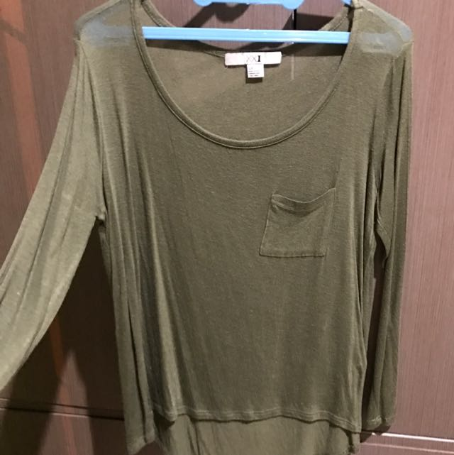FOREVER 21 GREEN LONG SLEEVE