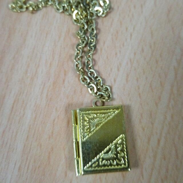 Gold Locket With Chain