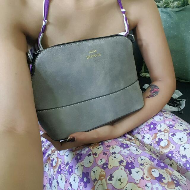 Hand / Sling Bag 05