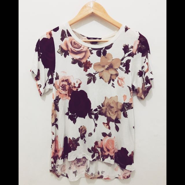 ON SALE! H&M Floral Top