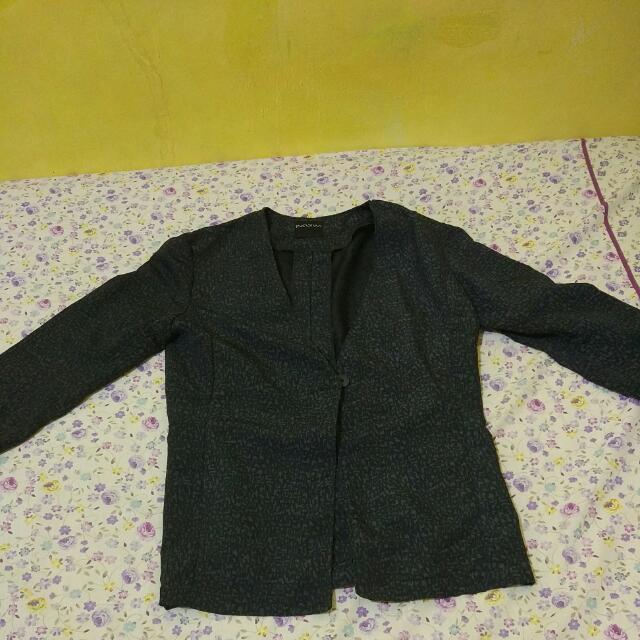 Insiwi Black Blazer