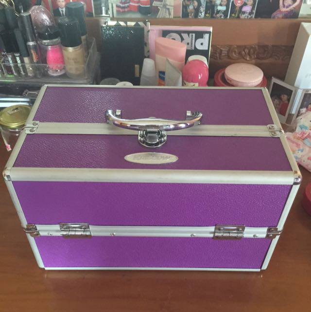 Kotak MUA Make Up / cosmetic Box