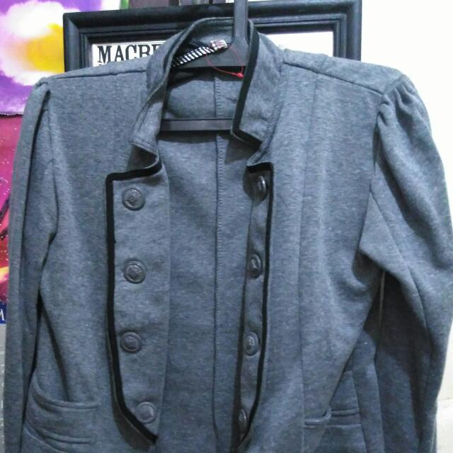 Outer (blazer)