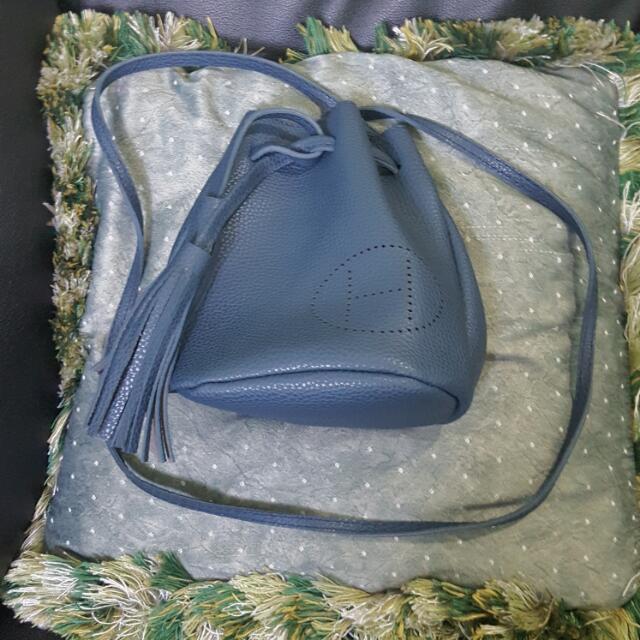 Sling Bag 03
