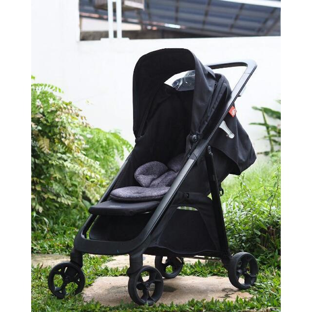 Stroller GB 1020