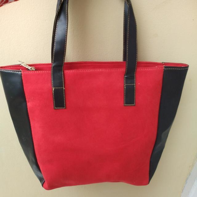 Tas Merah (New Bukan Preloved)
