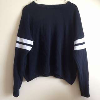 Brandy Melville - Navy Sweater