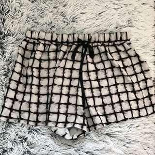 GOLDIE Shorts - Size 12