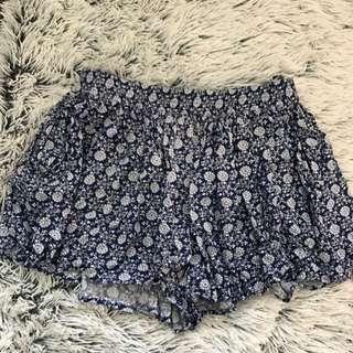 Glassons Shorts - Size 10