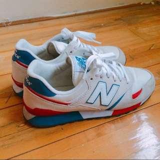 New Balance 紅藍經典配色球鞋